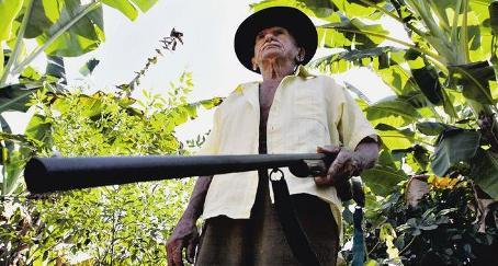 Sinésio Martins, mateiro, foi obrigado a lutar contra os guerrilheiros