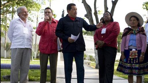 Rodolfo Pastor, à esquerda, é responsável pela representação diplomática do governo de Zelaya nos EUA